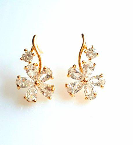 Aretes De Oro 18k Laminado Flor Zirconia Calidad Diamante.