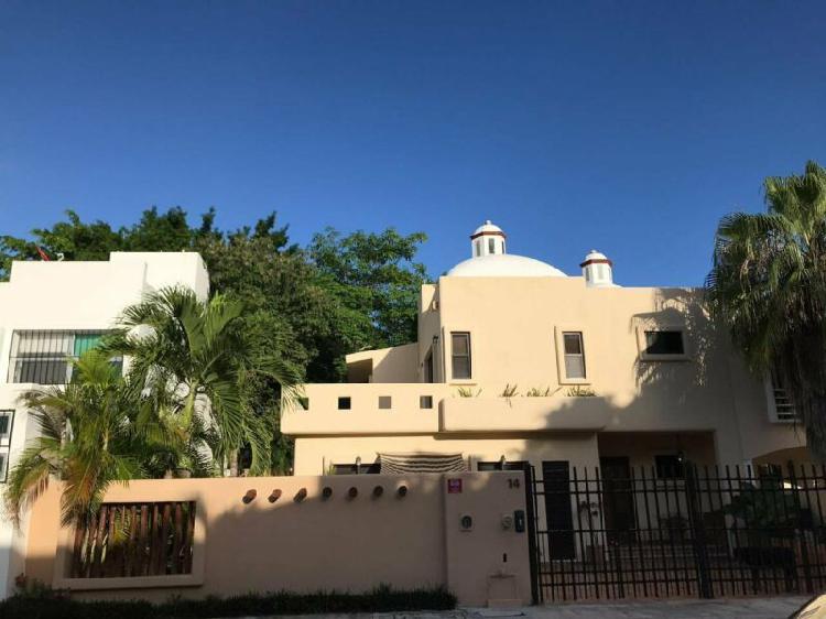 Hermosa Casa de 2 niveles con Boveda de Ladrillo Catalana
