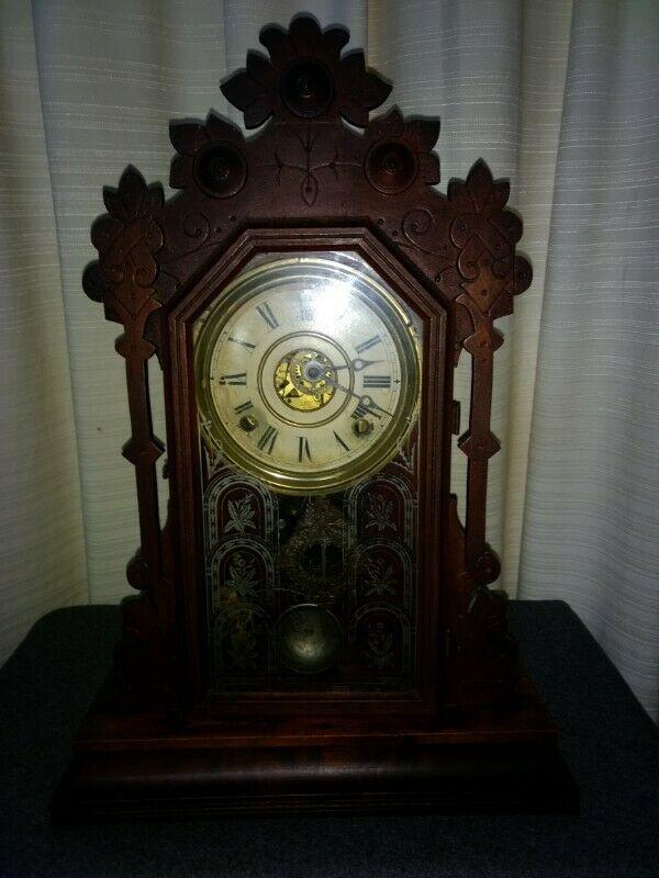 Reloj antiguo del siglo XIX