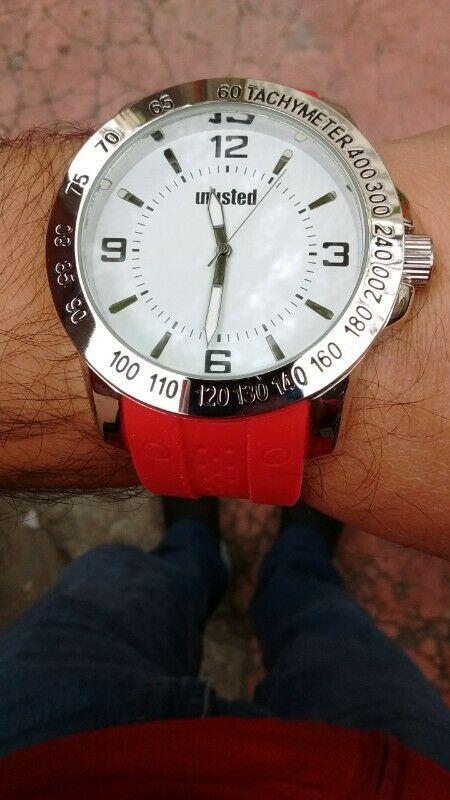 Reloj Unlisted Kenneth Colé Nuevo