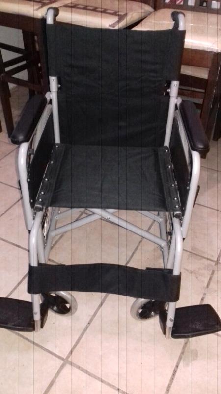 Silla de ruedas nueva sin usar
