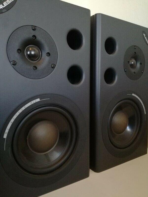 Monitores De Audio Alesis M1 Mk2 Activos
