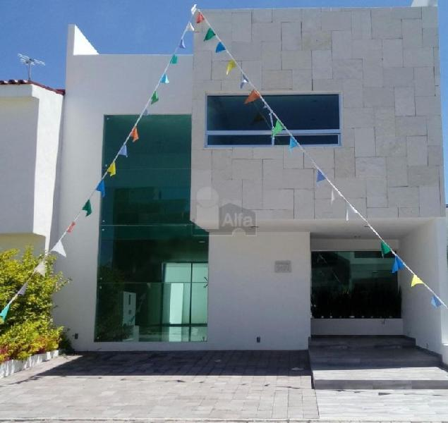 Casa en venta en Residencial El Refugio a 5 min. de Antea y