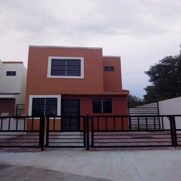 Venta de casa nueva en Santa Engracia, Pesquería