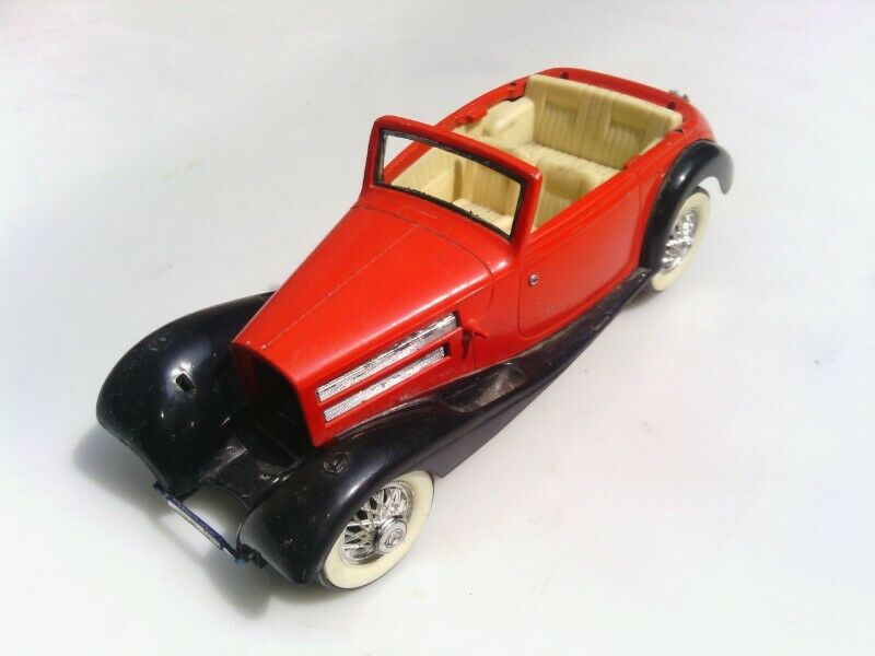 Antiguo auto mercedes benz 540k ref  escala 1/24