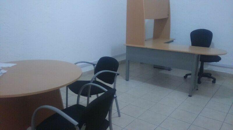 Lote de muebles para oficina de la linea italiana