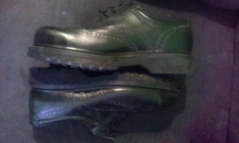 Botas zapatos piel negros con casquillo T27 nuevos
