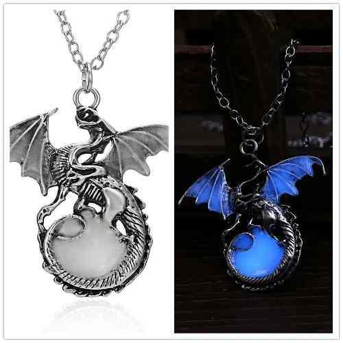 Collar Game Of Thrones Dragon Brilla Oscuridad