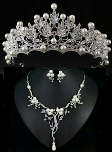 Tiara Corona Collar Aretes Tocado Diadema Cristal Novia Y Xv