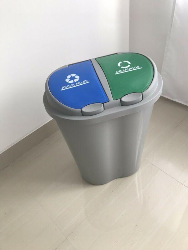 Bote de basura grande con 2 compartimentos