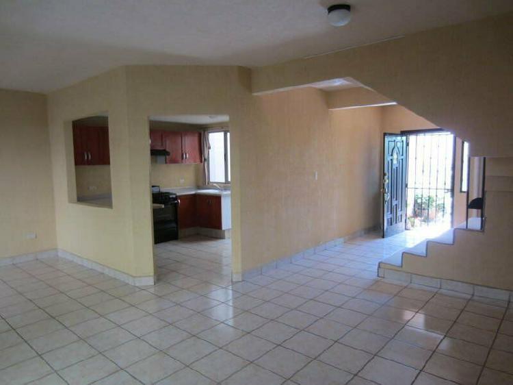 Casa en Renta de 3 Recamaras Colinas de Chapultepec 9na
