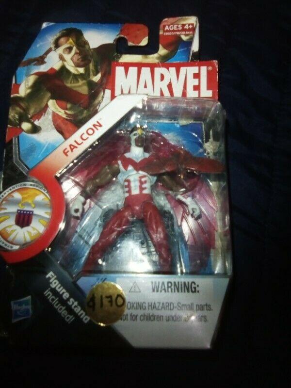 Figura Marvel Universe Falcón