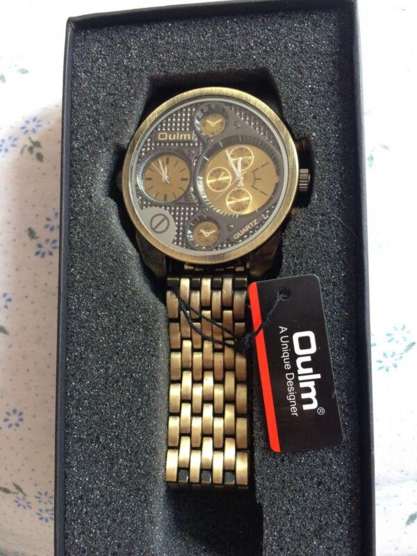 Reloj nuevo en caja