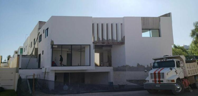 Casa nueva 4 rec, rec en planta baja, acabados de lujo.