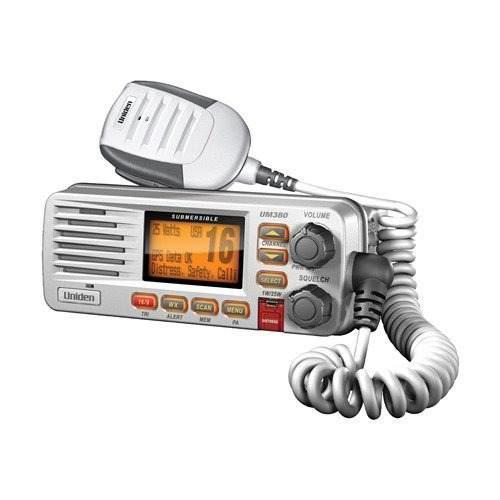 Uniden Um380 Montaje Fijo Clase D Radio Vhf Marino - Blanco