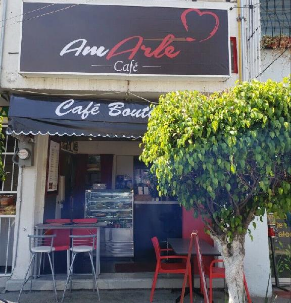 Cafetería y Deli acreditada y funcionando