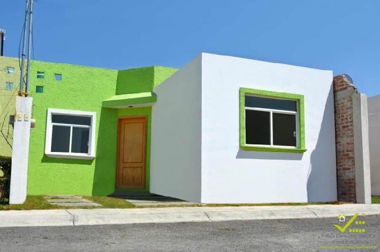 Casa en Venta, 3 recamaras, frente al ITLA