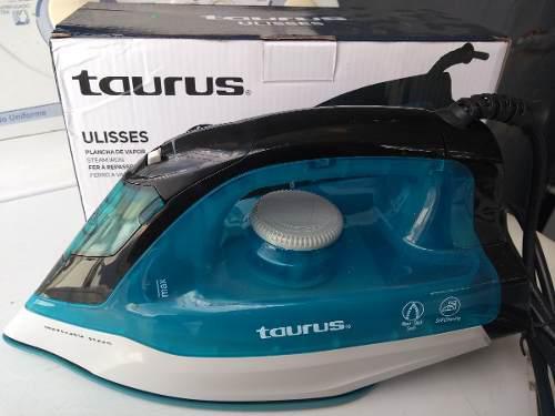 Plancha De Vapor Taurus, Suela Antiadherente Color Turquesa