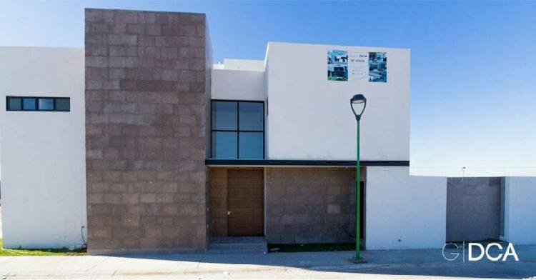 Casa en Venta con 3 recámaras en Zona Viñedos, Torreón.