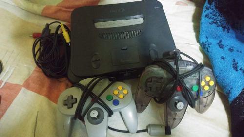 Nintendo 64 Poco Uso Incluye Dos Controles Y Un Juego