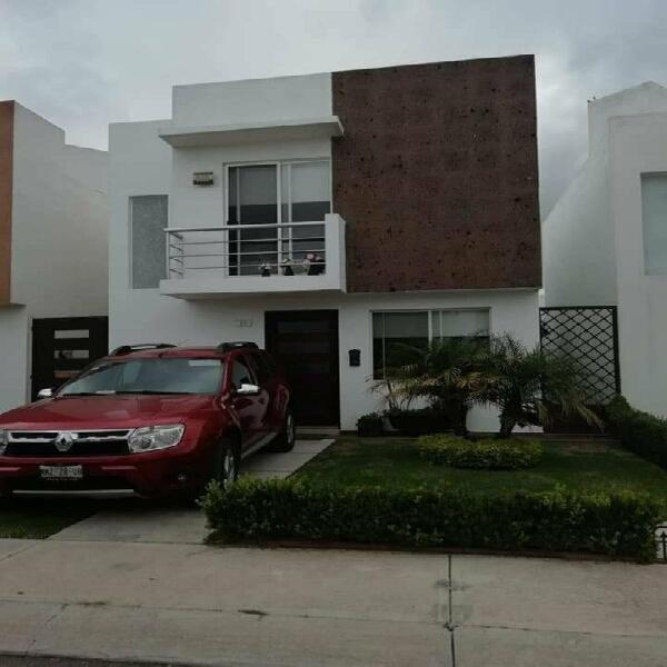 Casa Amueblada en Venta, Fracc. Bosques de San Juan /