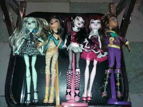 5 Muñecas Monster High