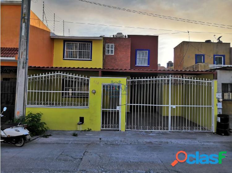 RENTA CASA DE 3 CUARTOS EN MUNDO MAYA, CARMEN