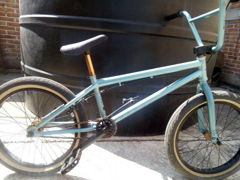 Bicicleta HALO, Casi nueva, buen precio.