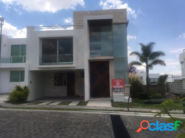 Hermosa Casa en Venta con 3 Recámaras con Baño Completo,