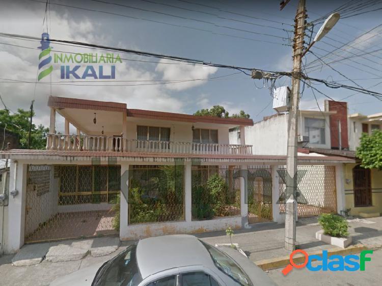 Vendo casa 8 recamaras Col. Chapultepec Poza Rica Veracruz,