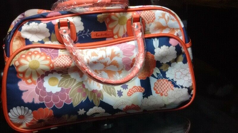 """bolsa de viaje con llantas para jalar """"estilo Japón"""""""