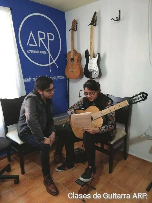 Academia de Música ARP. Clases de Guitarra, Bateria, Bajo,