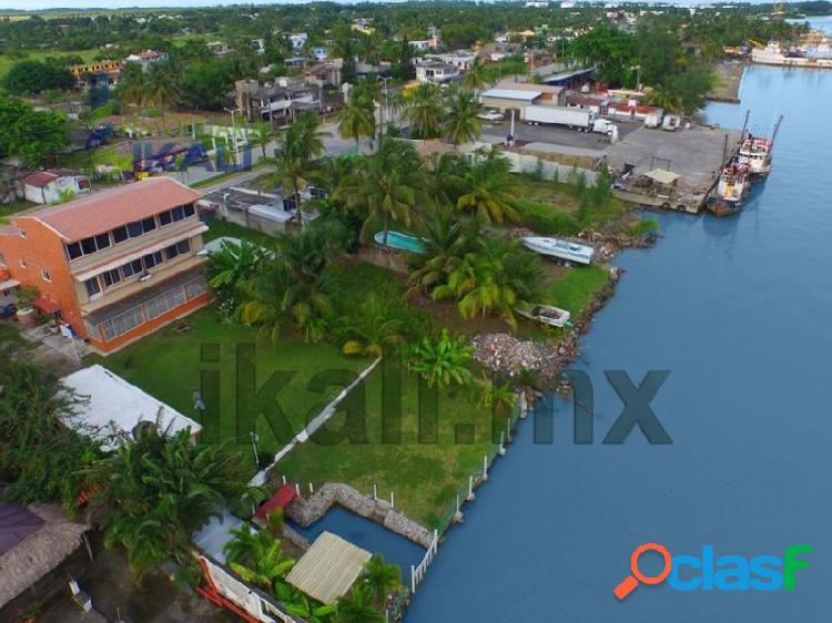 Casa 4 habitaciones 3 pisos frente al río Tuxpan Veracruz,