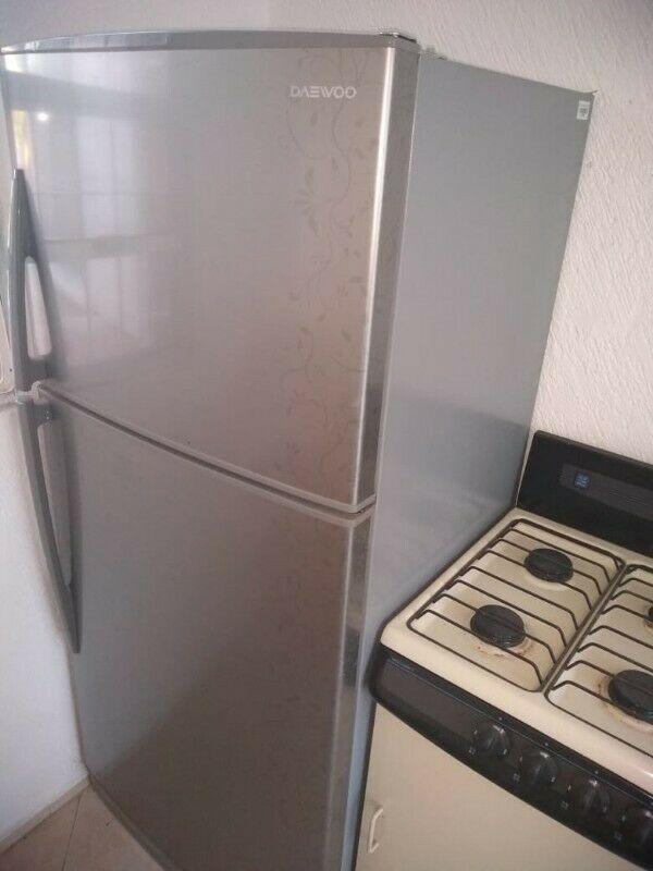 Refrigerador 14 pies seminuevo, no lo uso, lo compre en