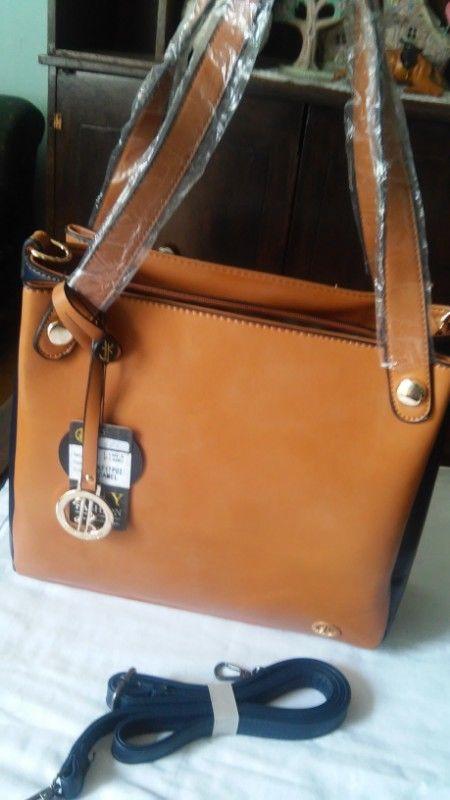 bolsa beige con negro nueva