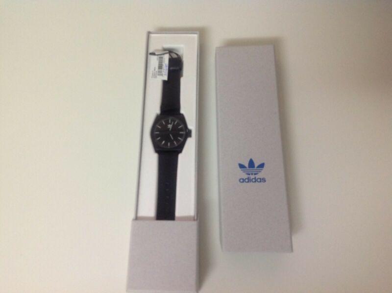 Reloj Adidas Unisex Negro $