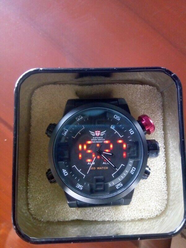 Reloj Táctico Nibiru con Leds Doble Tiempo