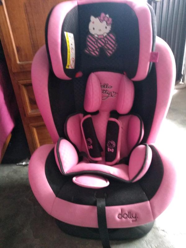 Silla de auto para bebé Hello Kitty