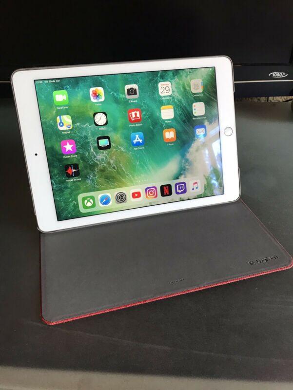 iPad Air 2 de 64 GB, con funda Logitech. En muy buen estado