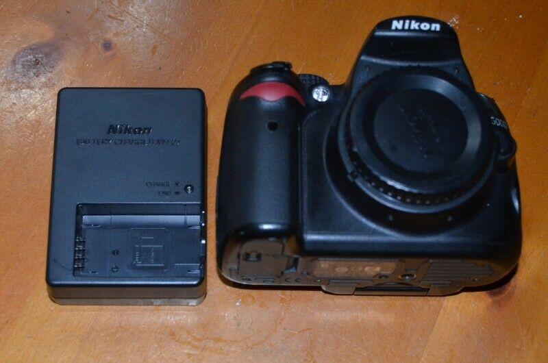 Camara Reflex Slr Nikon Dmp Cuerpo Si graba Video
