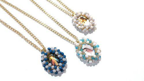 Collar De Medalla Religiosa Con Cristales. Grande