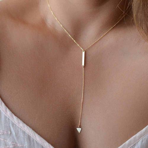 Collar Largo Con Dije De Triangulo Dorado Precio Mayoreo