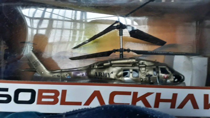 Helicoptero a Control Remoto UH-60 BLACKHAWK