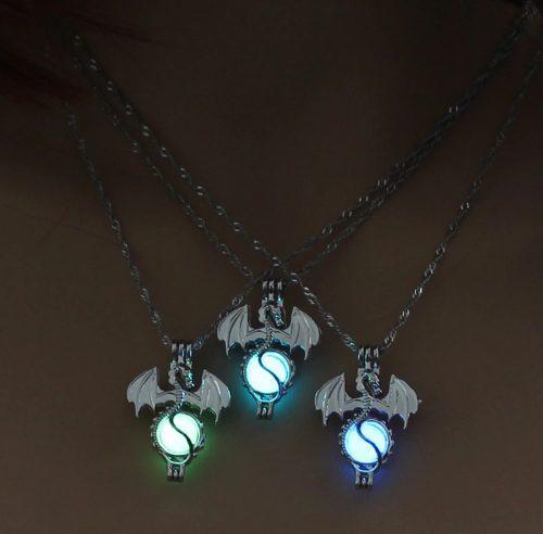 Hermoso Collar Brilla Oscuridad Luminiscente Dragón