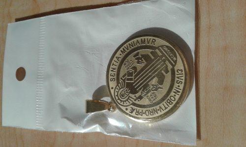 Medalla San Benito Dorado Dije Acero Inoxidable Doble Vista