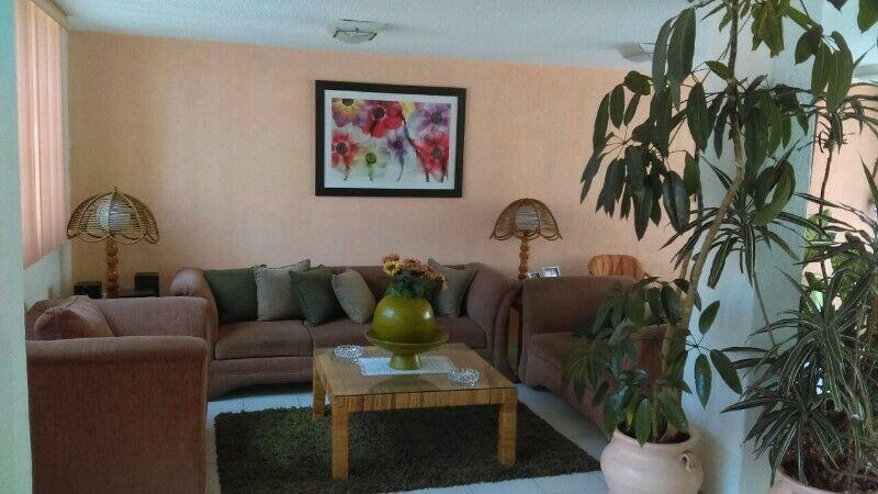 Vendo Sala (Sofá, love seat, sillón, 3 mesas y 2
