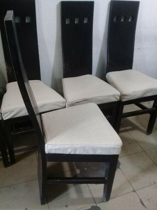 Lote de 5 sillas, diseño moderno