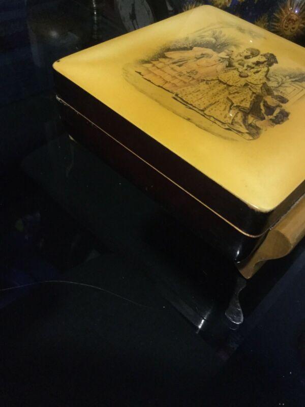 Joyero musical antiguo