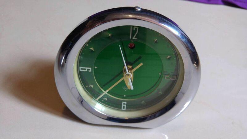 Reloj antiguo de cuerda como nuevo
