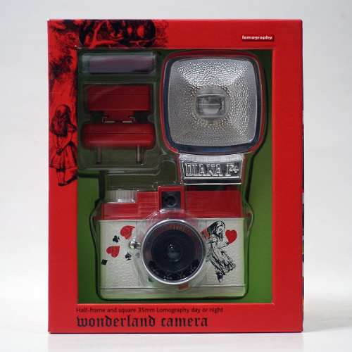Camara Lomography Diana Mini Alice In Wonderland 35mm 12msi